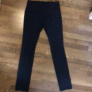 Lululemon skinny groove pant size 8
